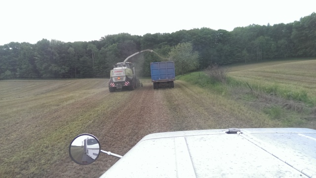 claas 960 chopping into truck