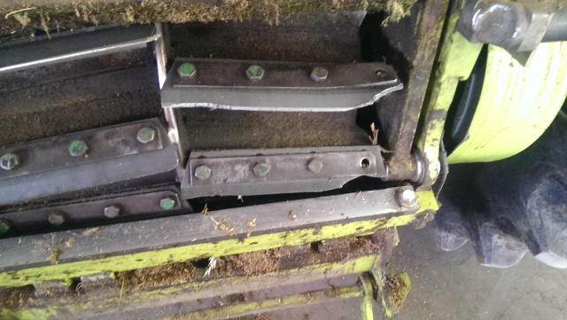 wrecked knives on claas 900