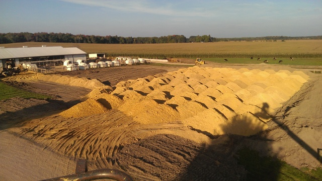 fill sand for free stall barn